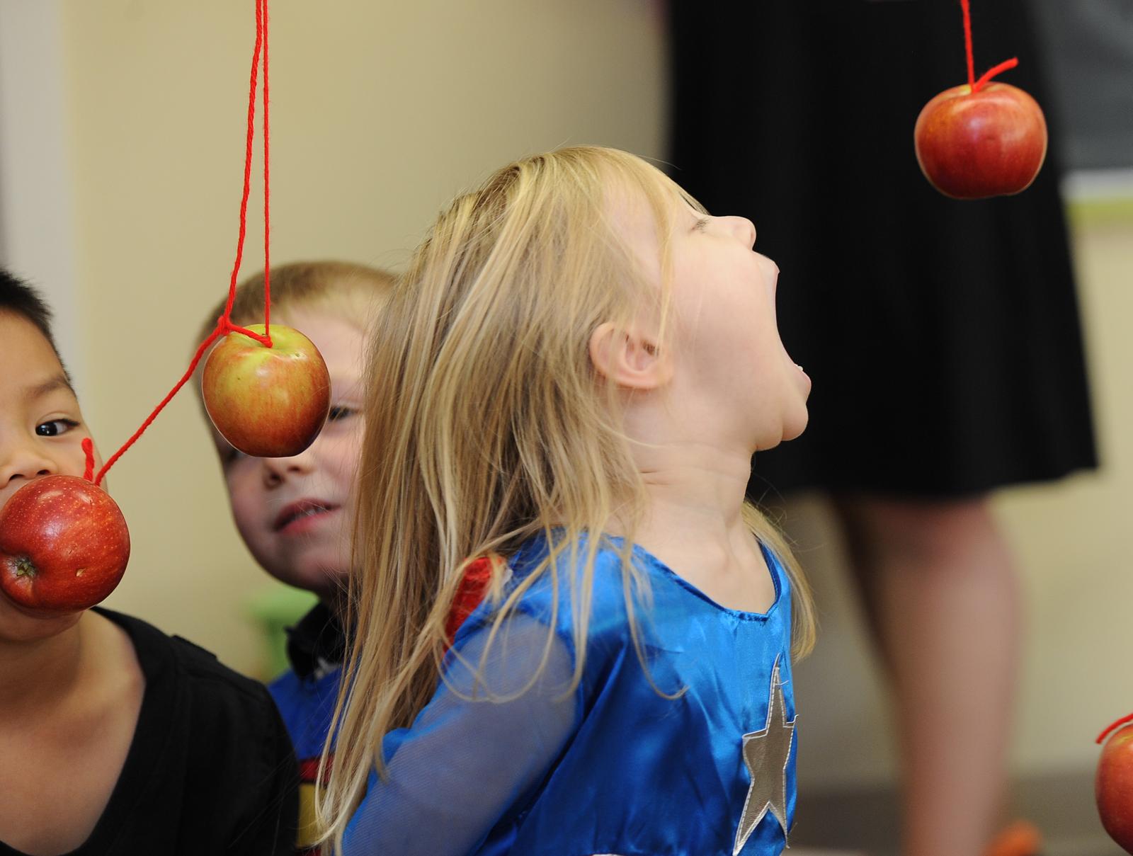 hopping for apples